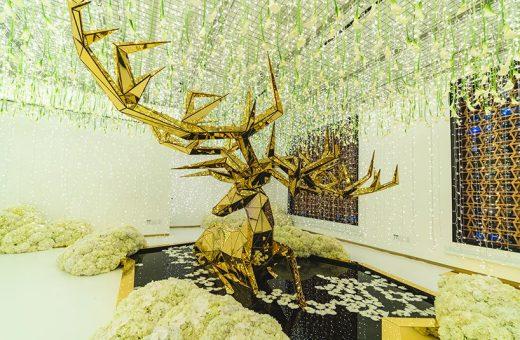INTERSECT BY LEXUS presenta l'installazione Winter Glow
