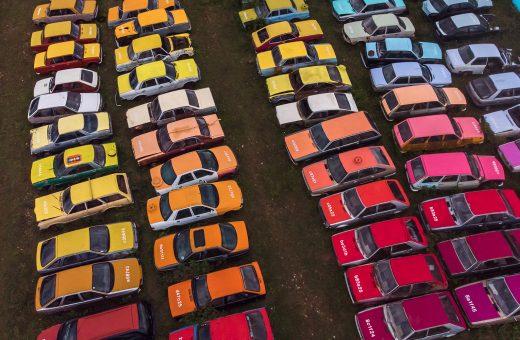 Solara, il progetto di 144 automobili colorate da Zoer