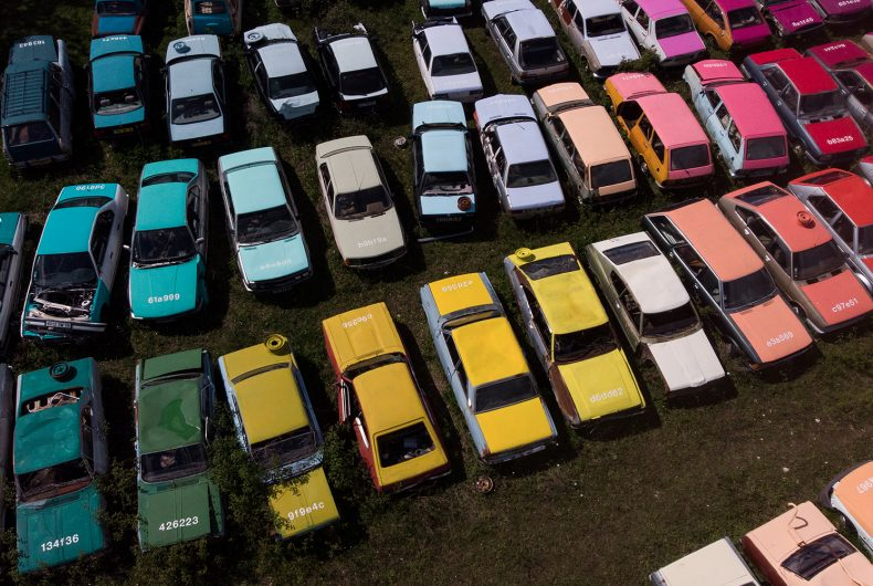 Solara, the design of 144 colorful cars by Zoer
