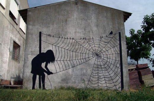 La street art minimalista di Pejac