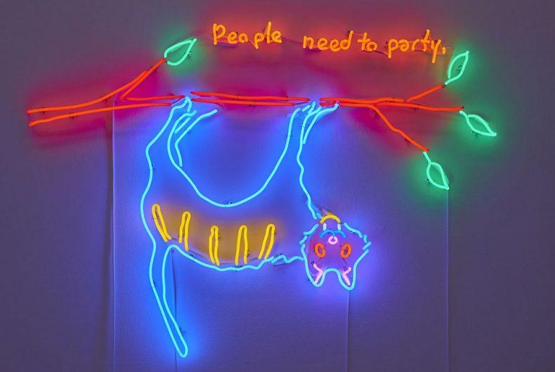 I colorati e intricati lavori con i neon di Dan Attoe