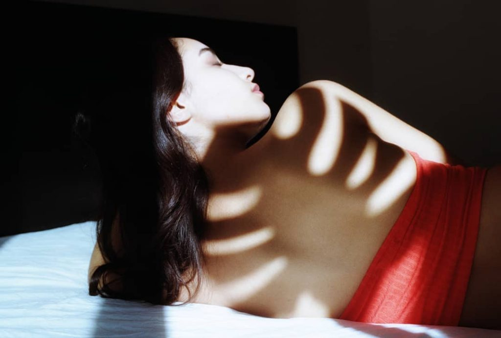 Shadows and bodies in Ugur Basaran's shots | Collater.al