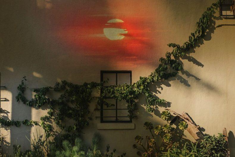Anna Maghradze, collage digitali tra sogno e realtà