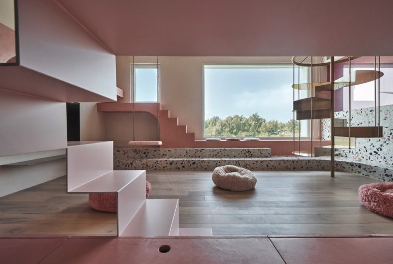 Cats' Pink House, la casa rosa di KC Design Studio