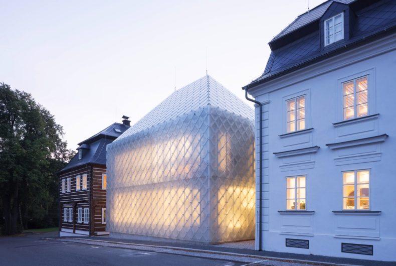 L'edificio di vetro progettato da Ov-a Architekti
