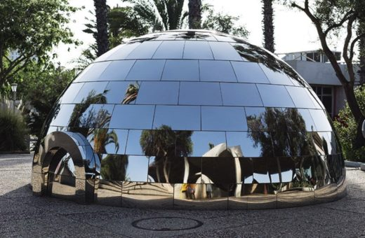 The mirrored igloo by Magenta Workshop