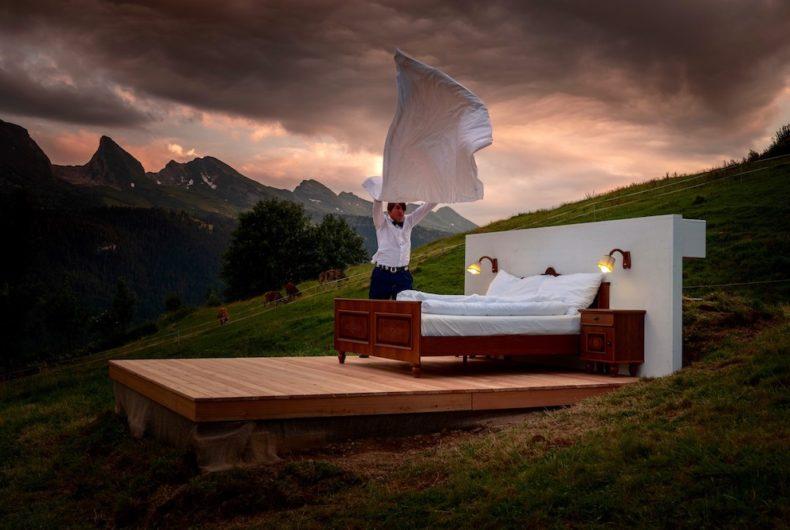 L'hotel a zero stelle, senza pareti e immerso nelle Alpi Svizzere
