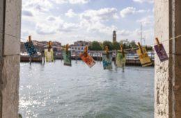 Money Must Be Made, banconote false a Venezia