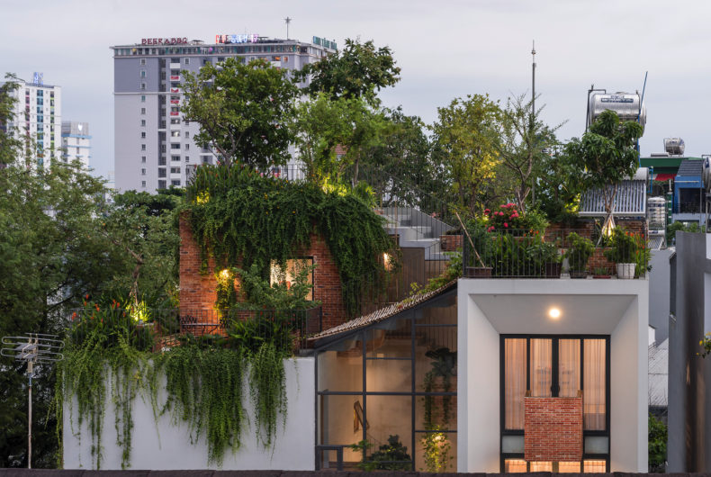 Park Roof House, the garden house in Vietnam