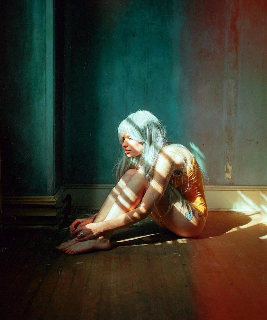 La fotografia ipnotica e sensuale di Steven Gindler aka Cvatik
