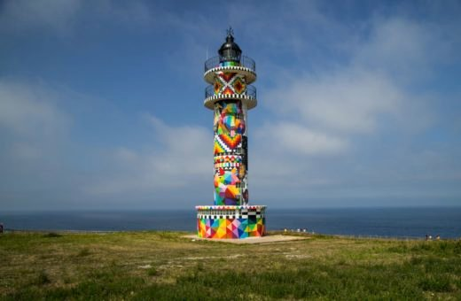 Infinite Cantabria, the artistic intervention by Okuda San Miguel in the Faro de Ajo