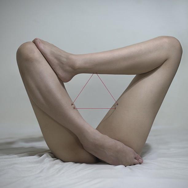 Le geometrie del corpo negli scatti di Lin Yung Cheng | Collater.al