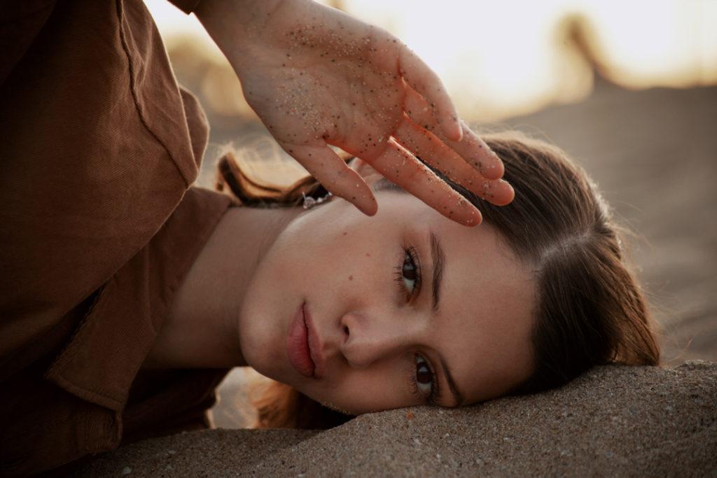 Delicatezza e vulnerabilità nella fotografia di Luce Lapadula | Collater.al