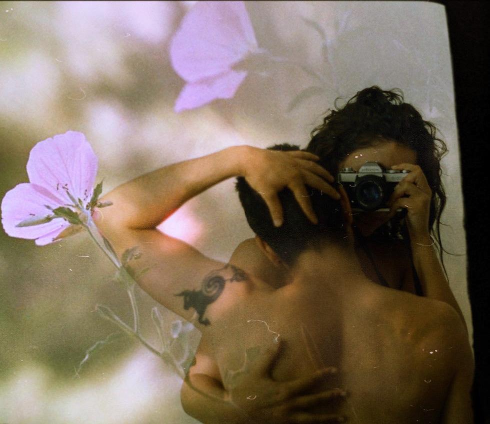 Gli scatti intimi e sensuali di Sevina Karageorgou | Collater.al
