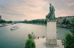 I supereroi di Benoit Lapray invadono Parigi