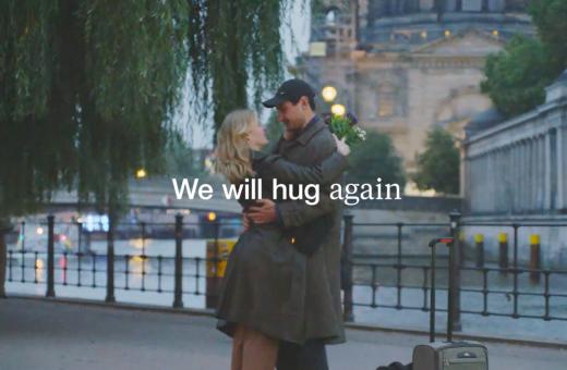 """""""We will hug again"""", la campagna natalizia 2020 di Zalando"""