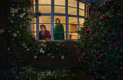 """""""Looking out from Within"""", il progetto fotografico di Julia Fullerton-Batten"""