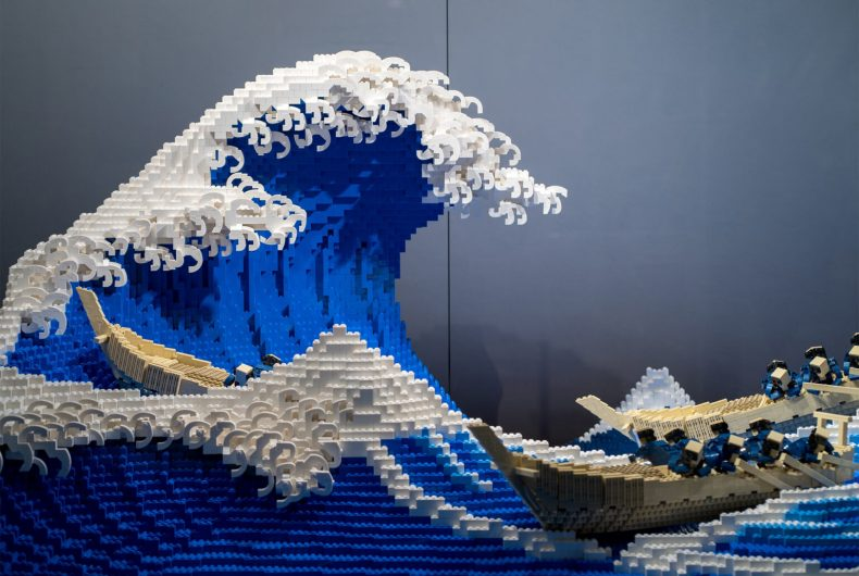 Hokusai's Great Wave, the new LEGO project by Jumpei Mitsui
