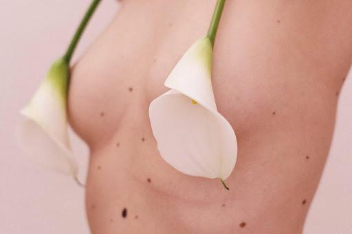 The sensual shots by Sara Lorusso