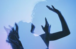 Gli ipnotici ritratti fotografici di Jake Wangner
