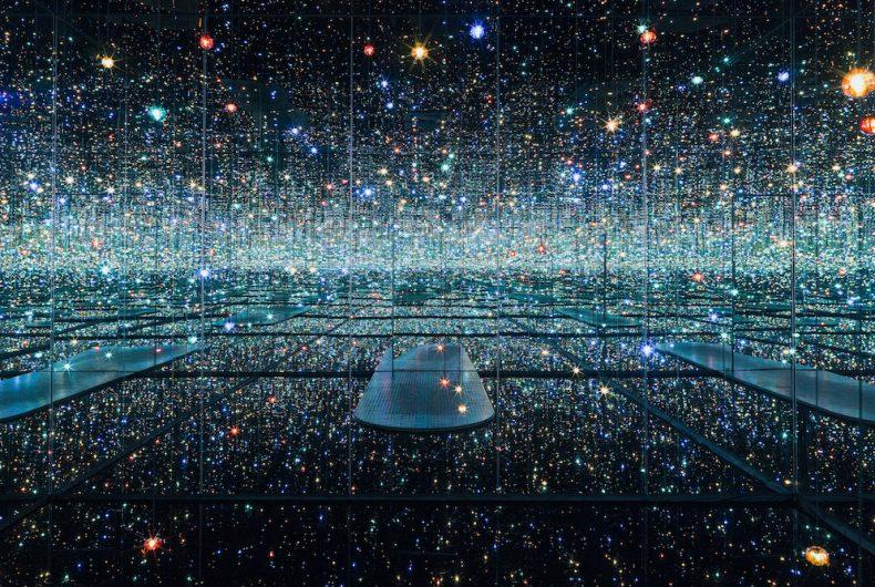 "Ritornano alla Tate Modern le ""Infinity room"" di Yayoi Kusama"