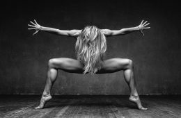 Alexander Yakovlev immortala il corpo umano in movimento