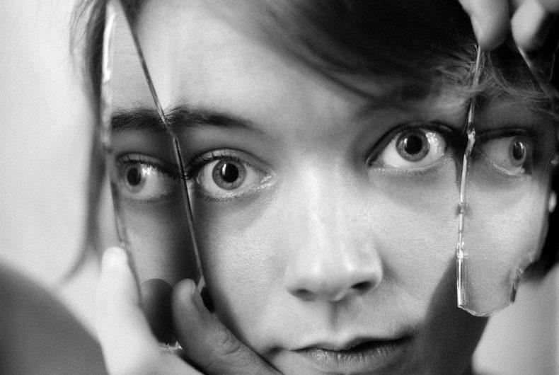 Le infinite espressioni del corpo umano negli scatti di Ophelia