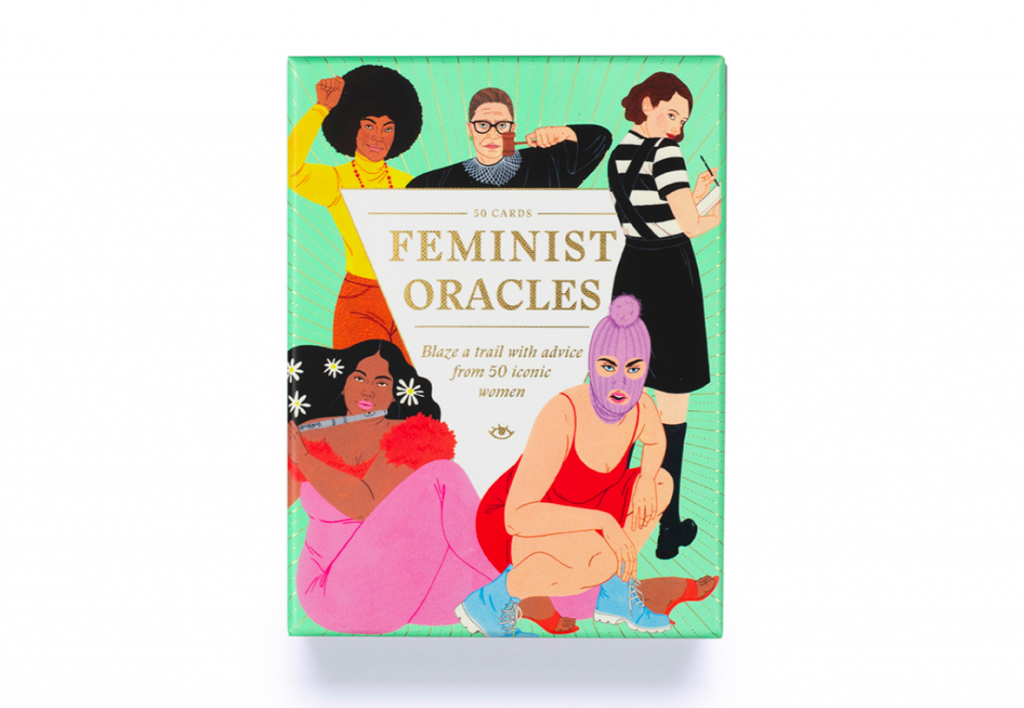 Feminist Oracles dà voce a 50 tra le donne più iconiche della storia attraverso un set di carte motivazionali ispirate ai tarocchi.