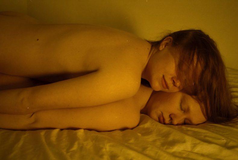 August Joensalo fotografa l'intimità nelle vite queer