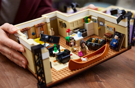 The apartments from Friends become a new LEGO set