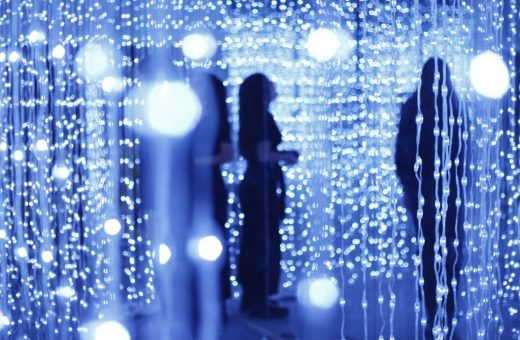 Immersive installation with 8400 LED lights