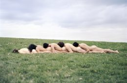 La fotografia di AdeY sfida la percezione del corpo umano