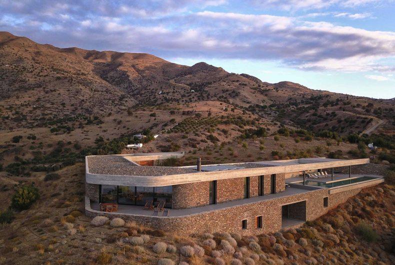 The Ring House abbraccia il paesaggio di Creta