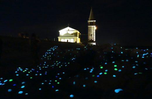 """""""DROPS"""", l'installazione luminosa di Cosimo Scotucci che fa sognare"""