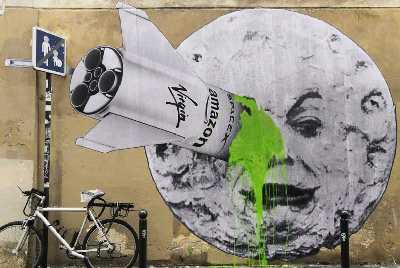 """""""Space Tourism"""", the new mural by Ludo"""