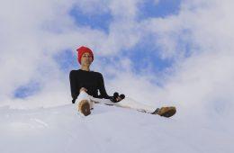 La nuova campagna di Suicoke scattata sulla neve