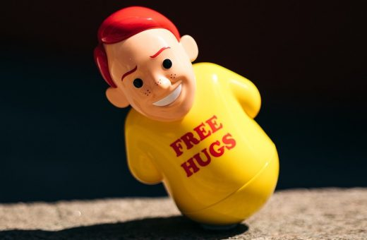 """""""Free Hugs"""", the latest irreverent creation by Joan Cornellà"""